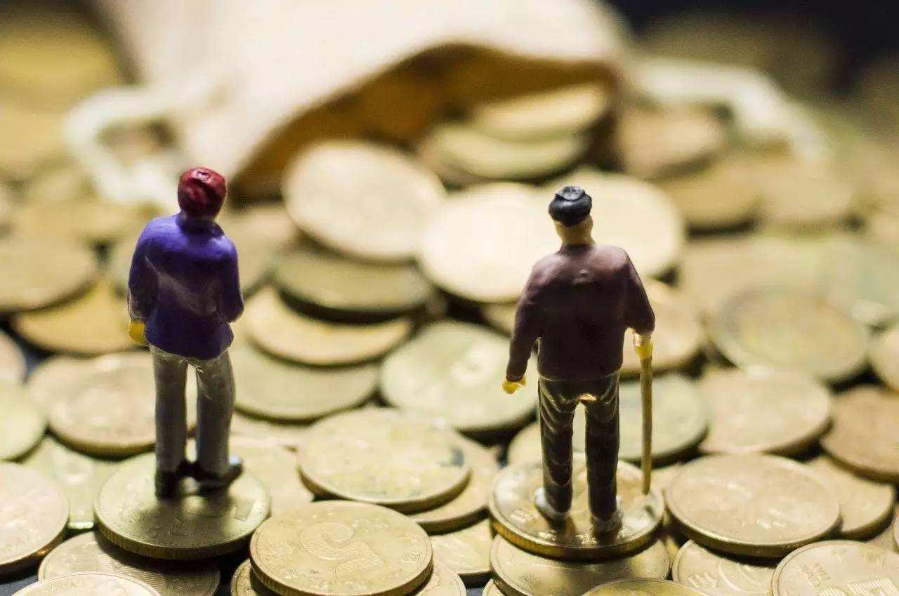 中国进入急速老龄化阶段,养老市场规模接近5万亿