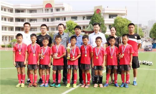 大丰权健09精英队受邀参加全国青少年足球邀请赛勇夺冠军