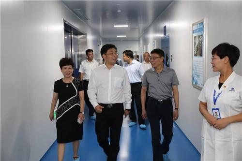 天津市西青区委一行领导莅临康婷公司参观调研
